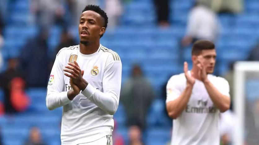 El Real Madrid pasa de Diego Carlos a Jules Koundé