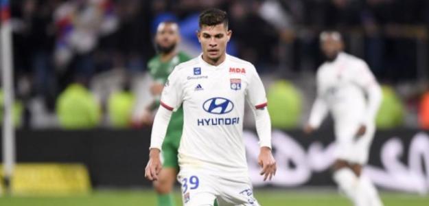 """""""El Atlético se vuelve a interesar por un jugador del Lyon./ El Desmarque"""""""
