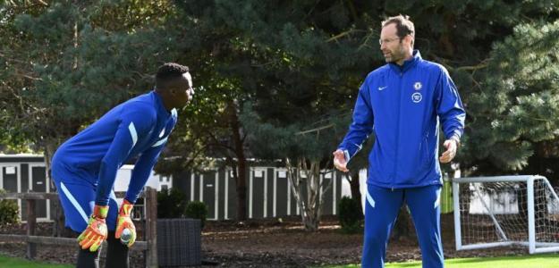 A Kepa Arrizabalaga le sale otro competidor inesperado: Peter Cech