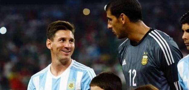 La cláusula de Nahuel Guzmán si Messi se marcha a Newells. Foto:El Crack Deportivo