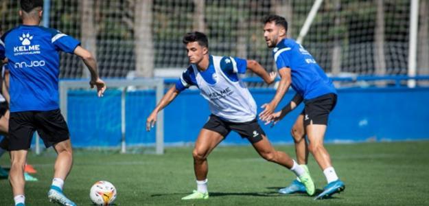 OFICIAL: Dos 'jugones' para el Deportivo Alavés. Foto: FutbolFantasy