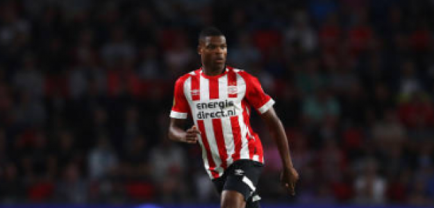 """El Milan se interesa por Denzel Dumfries. Foto: Getty Images"""