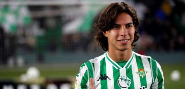 El Betis tiene una propuesta por Diego Lainez / Besoccer