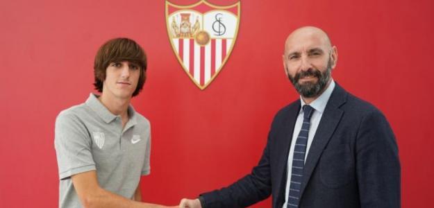 El Sevilla renueva y blinda a Bryan Gil / Sevillafc.es
