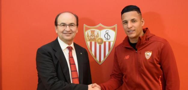 El Sevilla ya negocia la salida de Arana / Sevillafc.es