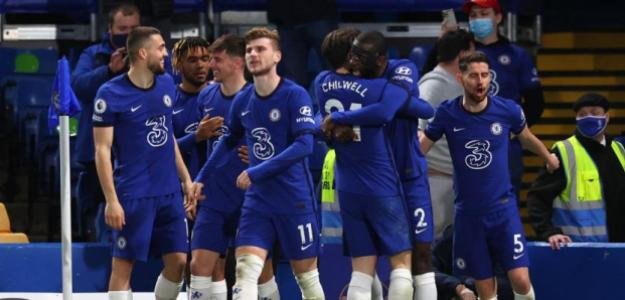 El Chelsea toca la puerta de uno de los mejores centrales jóvenes del mundo