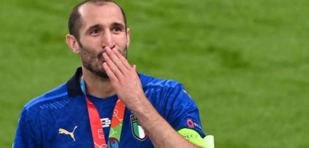 """OFICIAL: Giorgio Chiellini renueva su contrato con la Juventus de Turín """"Foto: Serie A"""""""