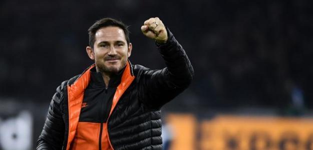 Lampard celebrando la victoria en Amsterdam. / football.london