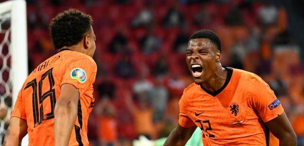 Malen y Dumfries, ambos saldrán del PSV este verano. Foto: Getty