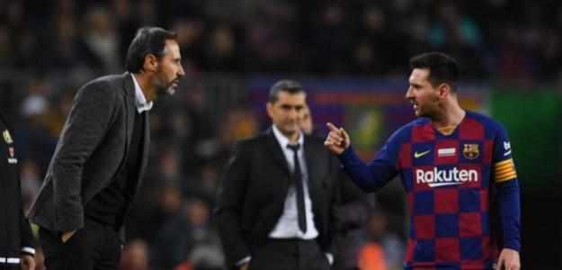 Encontronazo entre Messi y Moreo. Foto: Getty.