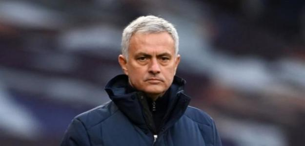Mourinho contacta con Donnarumma para intentar su fichaje por la Roma