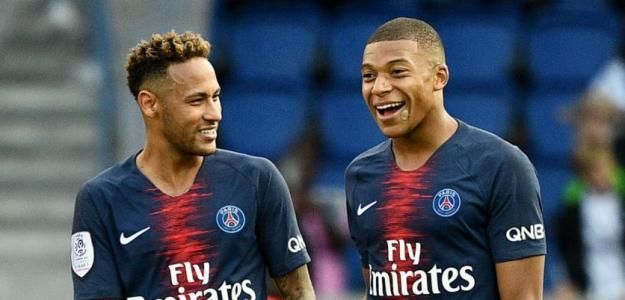 Neymar junto a Mbappé / Youtube
