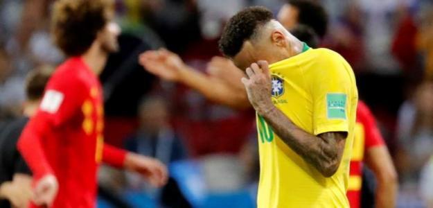 Neymar se lamenta en un partido con Brasil / Youtube