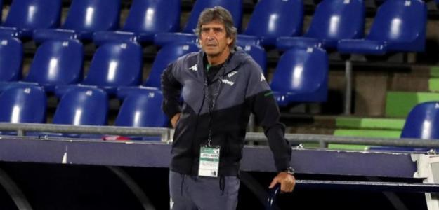 Pellegrini ya ha comunicado a 8 jugadores que no seguirán en el Real Betis. Foto: MundoDeportivo