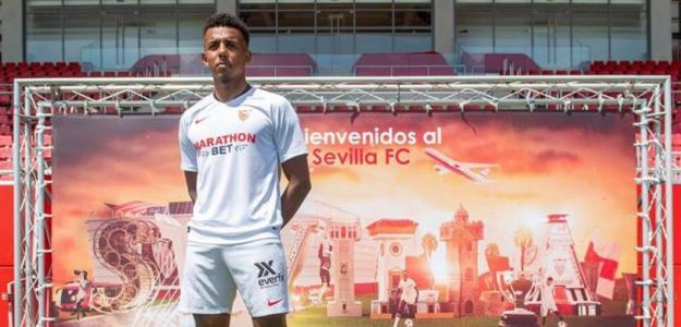 Koundé en su presentación con el Sevilla. / Twitter: @csurDeportes