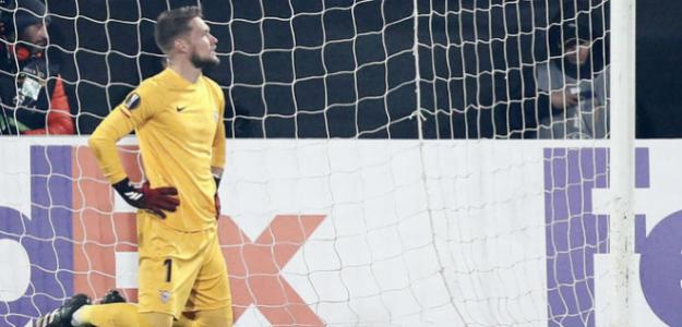 El Sevilla se piensa la continuidad de Tomas Vaclik. Foto: Marca