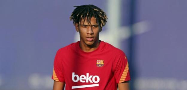 Todibo, sin sitio en el Barça.