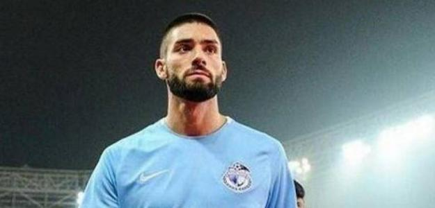 Yannick Carrasco negocia con un club europeo.
