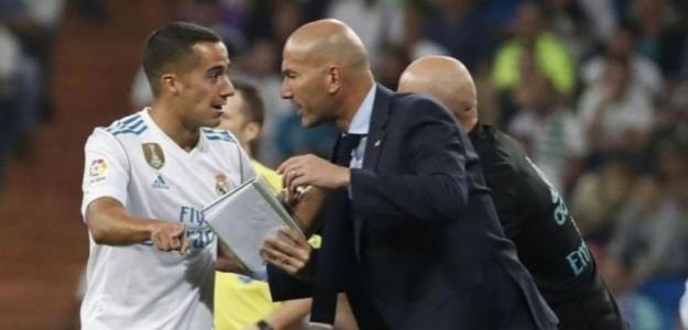 Zidane y Lucas durante un partido. / defensacentral.com