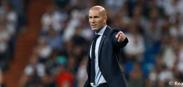 Zinedine Zidane dirige un partido / Real Madrid