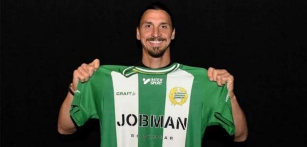 Zlatan posando con la camiseta del Hammarby. / excelsior.com.mx