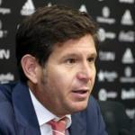 Mateu Alemany y Marcelino García, director general y entrenador del Valencia CF respectivamente, en una rueda de prensa.