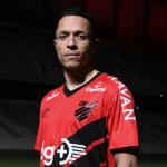 Adriano Correia tiene nuevo equipo en Europa / Besoccer.com
