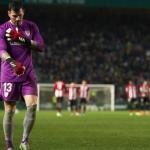 La afición del Athletic 'echa' a Iago Herrerín. Foto: El País