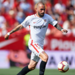 """""""Aleix Vidal con piey medio fuera de Sevilla./ Foto: Getty Images"""""""