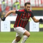 Cambio de opinión de Calhanoglu sobre su futuro en Milán / M