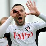 Clint Dempsey celebra un gol con el Fulham/ Lainformacion.com