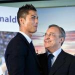 Cristiano Ronaldo, en su etapa en el Real Madrid, junto a Florentino Pérez.