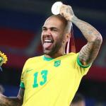 Fichajes Sevilla: Monchi quiere cerrar el regreso de Dani Alves