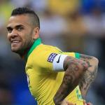 Dani Alves podría ser el bombazo de la Liga argentina / Lavanguardia.com