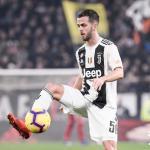 El Chelsea trata de quitarle al Barça el fichaje de Pjanic / Juventus.com