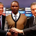 Eric Abidal con directivos del Barça / El Confidencial