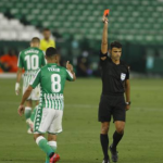 """Nabil Fekir: más puñetazos al VAR, a ver si así lo miran """"Foto: AS"""""""