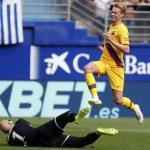 Ipurua presenció la mejor versión de Frenkie de Jong. FOTO: FC BARCELONA