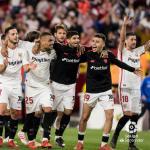 Jugadores del Sevilla celebrando una victoria. Foto: LaLiga.es