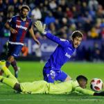 Aitor en un partido con el Levante. / jornadaperfecta.com