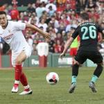 El Liverpool tiene a Ocampos en la recámara por si sale Minamino. Foto: BeSoccer