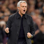 "Se disparan las críticas contra el Tottenham de Mourinho ""Foto: The Sun"""