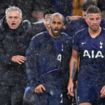 """El once que ha formado Mou en el Tottenham """"Foto: El Periódico"""""""