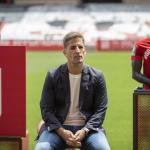 Robert Moreno se fija en jugadores de 'La Masía' . Foto: Granada Hoy