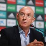 Lorenzo Serra Ferrer, director deportivo del Betis, durante una rueda de prensa / Real Betis Balompié