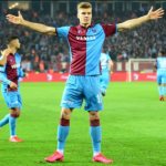 "El Bayern de Múnich sigue al 'Haaland turco' ""Foto: Daily Star"""