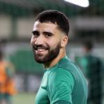 """Pellegrini mira con lupa la progresión de Yassin Fekir. Foto: Getty Images"""